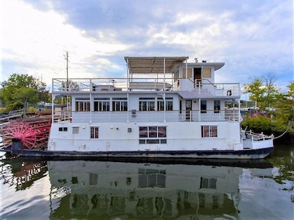photo of 79' AC Mcleod Custom Sternwheeler House Barge 1982