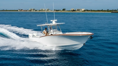 photo of 33' Mag Bay Center Console 2020