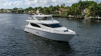 photo of 80' Hatteras 80 Motor Yacht 2012