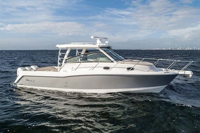 photo of 34' Boston Whaler 345 Conquest 2018