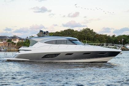 photo of 60' Riviera 6000 Sport Yacht Platinum Edition 2021