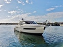 Carver-C37 Coupe 2016-DABDOUB Falmouth-Massachusetts-United States-Starboard Bow Profile-135474 | Thumbnail