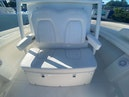 Regulator-31CC 2018 -Islamorada-Florida-United States-Center Console Seating with Armrests and Cup Holders-1809626 | Thumbnail